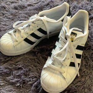 adidas Shoes - Adidas superstar size 6